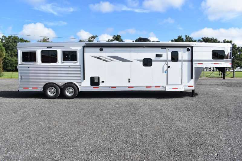#00628 - New 2019 SMC SL8315SRKCE 3 Horse Trailer  with 15' Short Wall