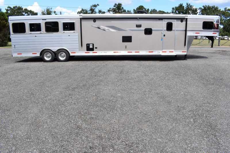 #00636 - New 2019 SMC SL8418SCEB 4 Horse Trailer  with 18' Short Wall