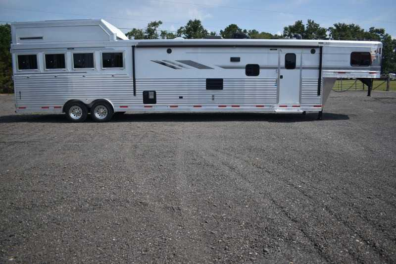 #00615 - New 2019 SMC SL8418SCEB 4 Horse Trailer  with 18' Short Wall