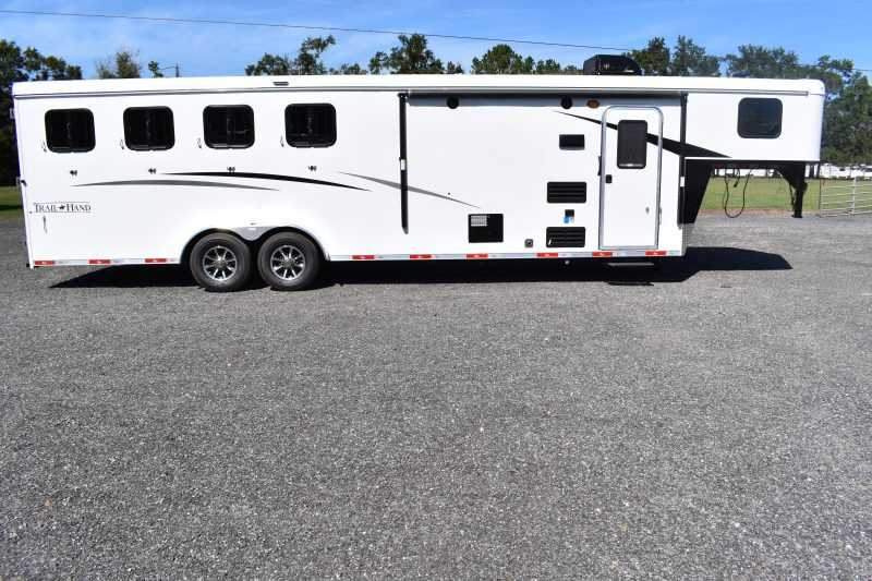 #08583 - New 2019 Bison Trail Hand 7409SO 4 Horse Trailer with 9' Short Wall