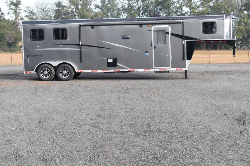 #08586 - New 2019 Bison Trail Hand 7211SO 2 Horse Trailer with 11' Short Wall