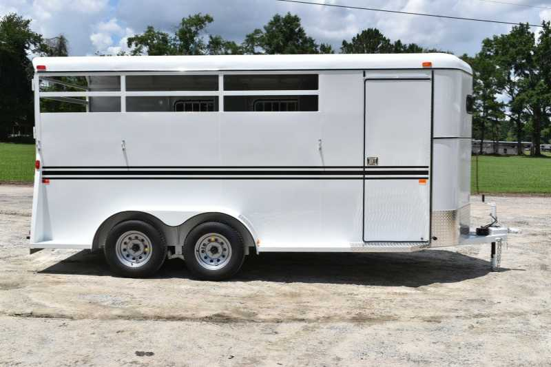 #77799 - New 2018 Bee 3HBPSLDLX 3 Horse Trailer with 2' Short Wall