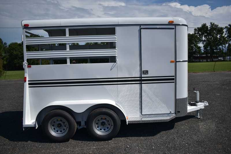 #77842 - New 2019 Bee 2HBPSL 2 Horse Trailer with 2' Short Wall