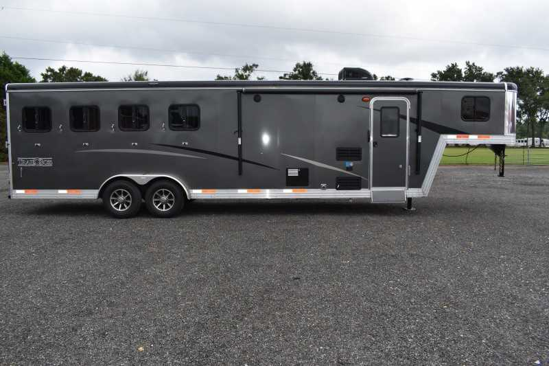 #08688 - New 2019 Bison Trail Boss 7409SO 4 Horse Trailer with 8' Short Wall