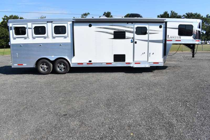 #00919 - New 2019 Lakota Charger 8311DRLQ 3 Horse Trailer with 11' Short Wall
