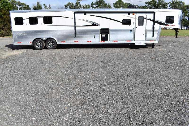 #08753 - New 2019 Bison Premiere 8317SS 3 Horse Trailer  with 17' Short Wall