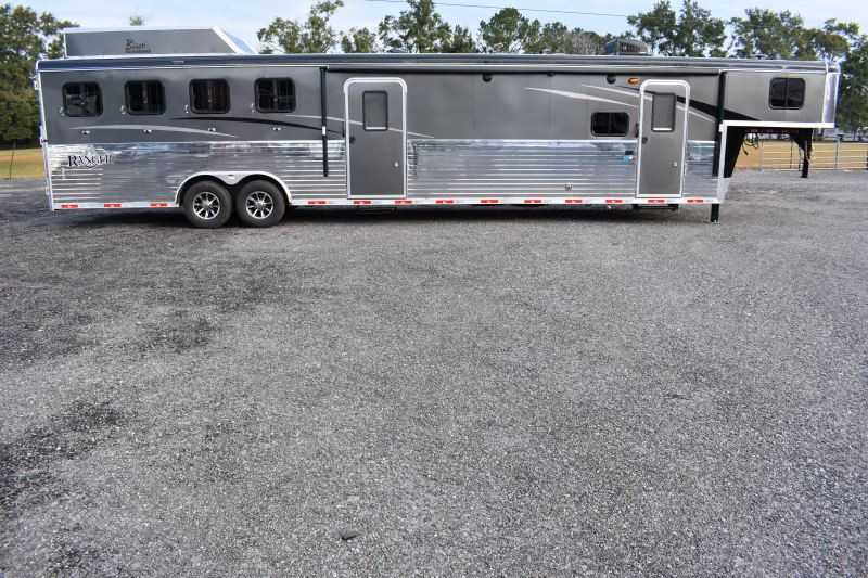#08759 - New 2019 Bison Ranger 8411RSMTBK 4 Horse Trailer  with 11' Short Wall