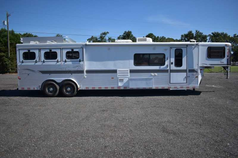 #A3391 - Used 2001 Sundowner 8314LQ 3 Horse Trailer with 14' Short Wall
