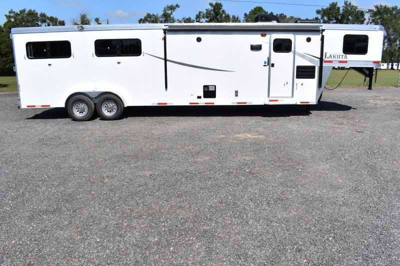 #01116 - New 2019 Lakota Colt 7411 4 Horse Trailer with 11' Short Wall