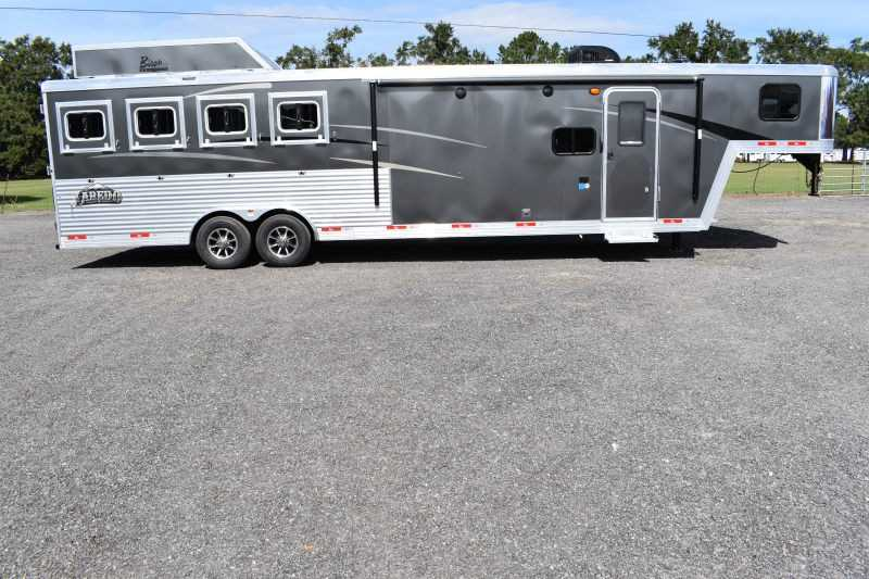 #08823 - New 2019 Bison Laredo 8411SO 4 Horse Trailer  with 11' Short Wall