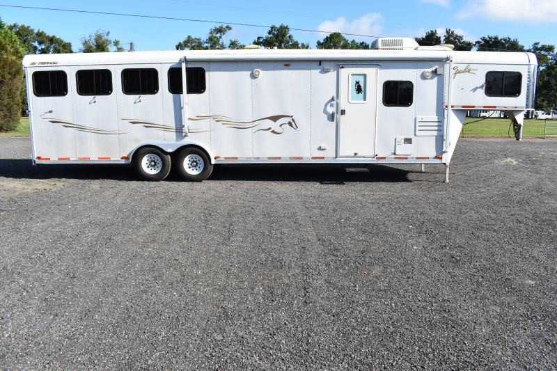 #34643 - Used 2003 Merhow 8412LQ 4 Horse Trailer with 12' Short Wall