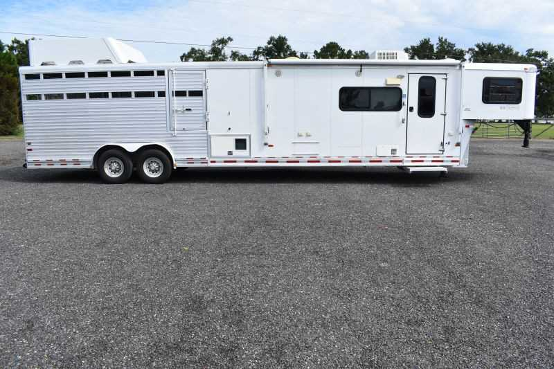 #A4509 - Used 2006 Sundowner 8010LQ 14STK MT Stock Trailer with 11' Short Wall