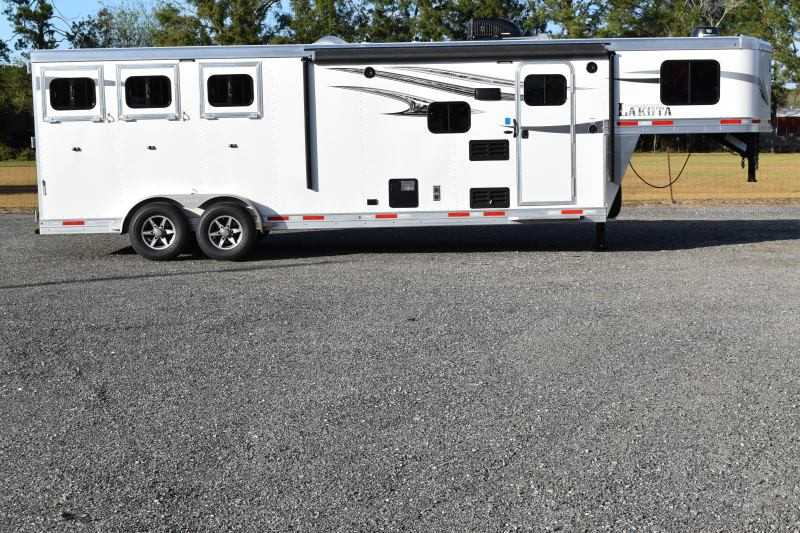#01301 - New 2019 Lakota 7309GLQ Charger 3 Horse Trailer  with 9' Short Wall