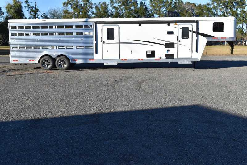 #08839 - New 2019 Bison Trail Boss 7009STLTSO Stock Trailer with 9' Short Wall