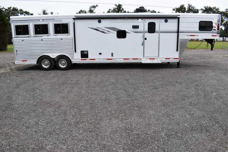 #01320 - New 2019 SMC SL8313SRK 3 Horse Trailer  with 13' Short Wall