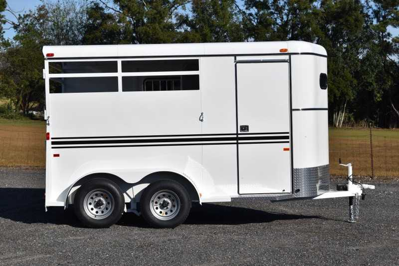 #77910 - New 2019 Bee 2HBPSLDLX 2 Horse Trailer with 2' Short Wall