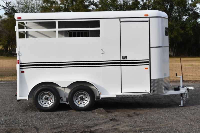 #77918 - New 2019 Bee 2HBPSLDLX 2 Horse Trailer with 2' Short Wall