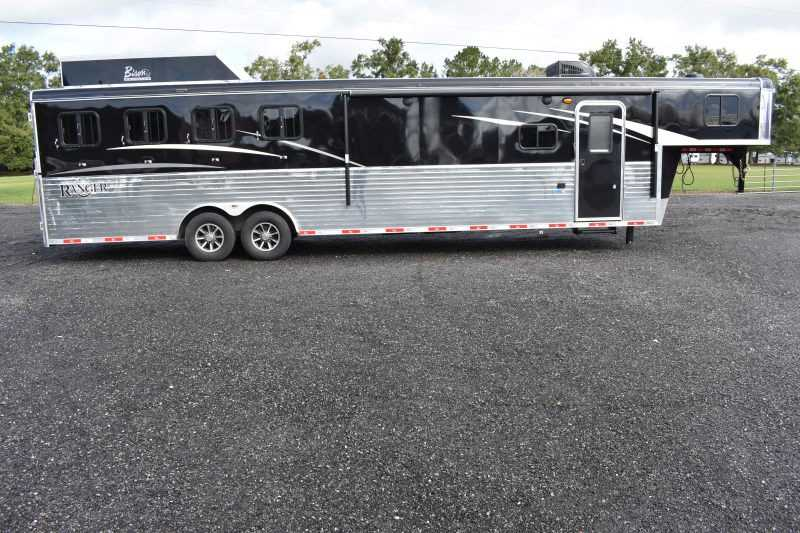 #08854 - New 2019 Bison Ranger 8413GBSO 4 Horse Trailer with 13' Short Wall