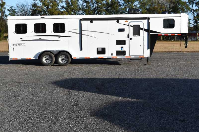 #08875 - New 2019 Bison Trail Hand 7309 3 Horse Trailer with 9' Short Wall