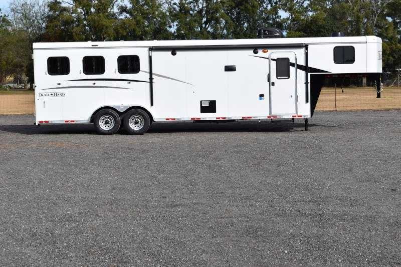 #08877 - New 2019 Bison Trail Hand 7311 3 Horse Trailer with 11' Short Wall
