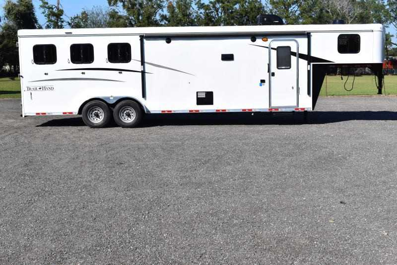 #08878 - New 2019 Bison Trail Hand 7311 3 Horse Trailer with 11' Short Wall