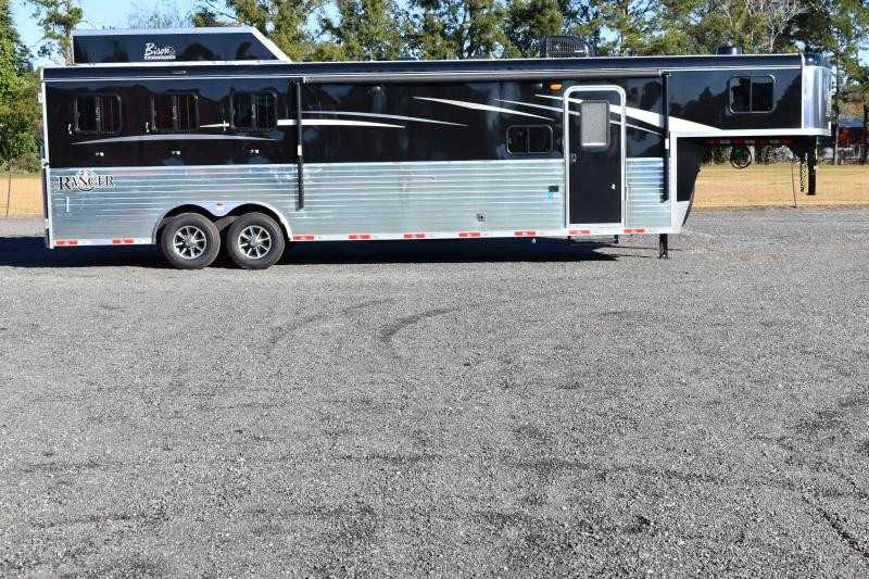#08883 - New 2019 Bison Ranger 8311SO 3 Horse Trailer with 11' Short Wall