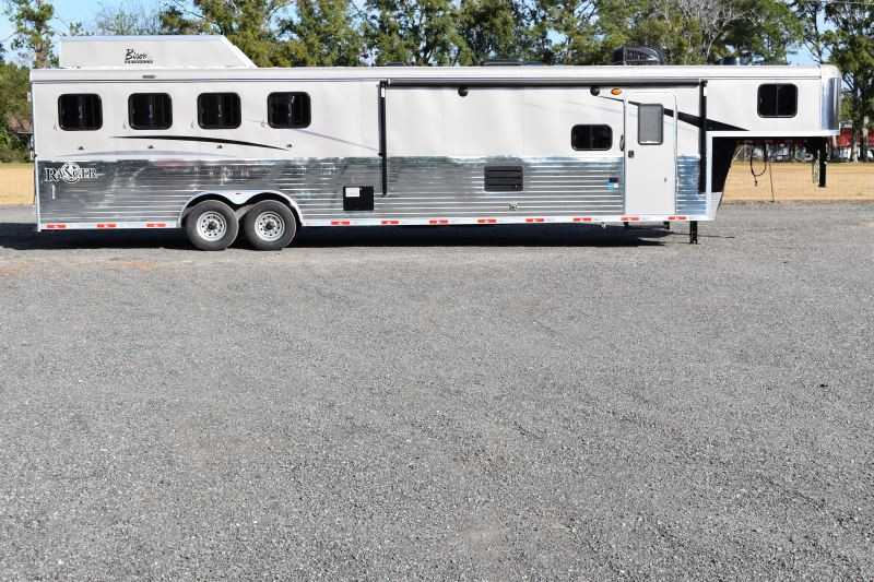 #08885 - New 2019 Bison Ranger 8414LBK 4 Horse Trailer with 14' Short Wall