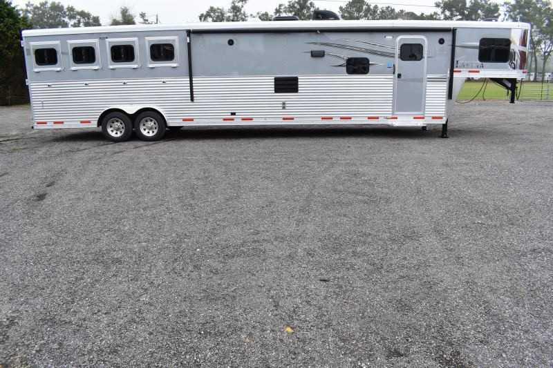 #01386 - New 2019 Lakota 8417 SSLQ 4 Horse Trailer  with 17' Short Wall