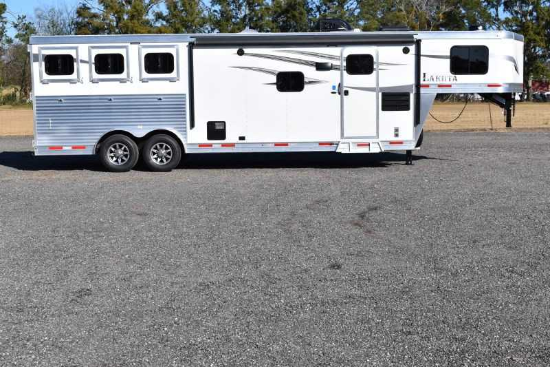 #01385 - New 2019 Lakota 8311RKLQ Charger 3 Horse Trailer with 11' Short Wall