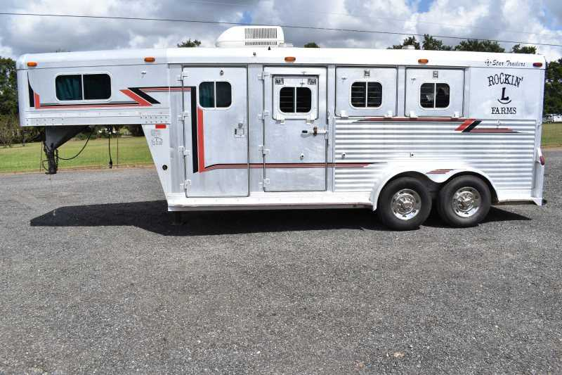 #08046 - Used 1995 4 Star STAR SHGN 3 Horse Trailer with 4' Short Wall