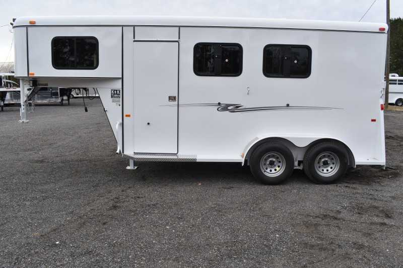 #77935 - New 2019 Bee 2HGNSLDLX 2 Horse Trailer with 3' Short Wall