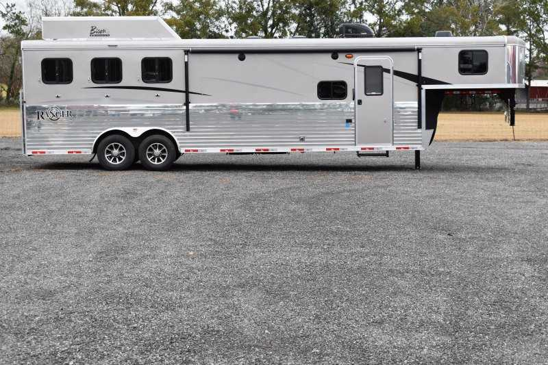 #08904 - New 2019 Bison Ranger 8311SO 3 Horse Trailer with 11' Short Wall